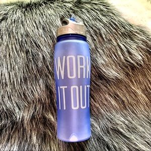 "NWT: AEROPOSTALE "" WORK IT OUT"" BOTTLE"